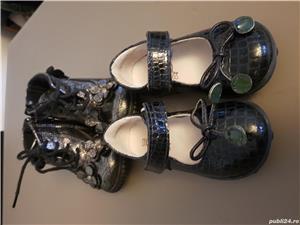 Ghetute si pantofi mărimea 21 fetite - imagine 4