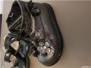 Ghetute si pantofi mărimea 21 fetite - imagine 3