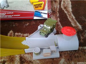 Jucarie Disney Pixar Cars Story Seturi Sarge's Stuntin 'Surplus Playset - imagine 5