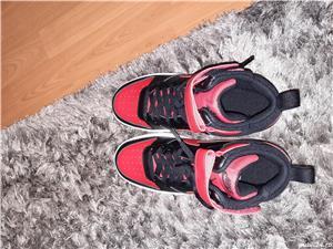 Adidasi Nike - imagine 3