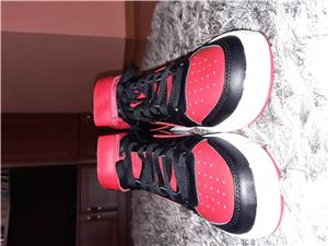 Adidasi Nike - imagine 8