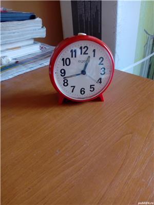 Ceas desteptator mecanic rosu - imagine 1