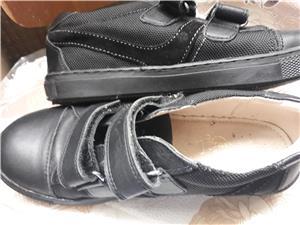 Pantofi copii, marimea 33 si 34 ,noi,negri - imagine 4