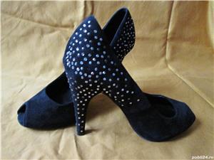 Pantofi ZARA din piele intoarsa - imagine 1