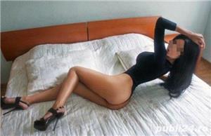 Cristina bruneta cu chef de nebunii - imagine 2