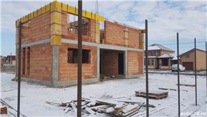 Vand casa tip duplex P+1E in Livada (3 km de Arad) - imagine 2