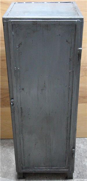 Dulap metalic cu rafturi; Mic dulap vintage din fier; Fiset - imagine 1