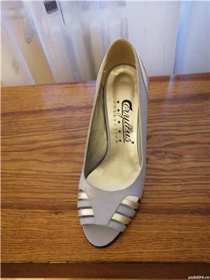 Vind, pantofi nr. 39 gri cu argintiu din piele, decupați la virf, toc 7cm - imagine 1