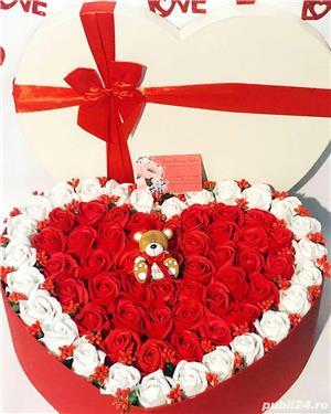 aranjament inima cu trandafiri parfumati de sapun - imagine 8