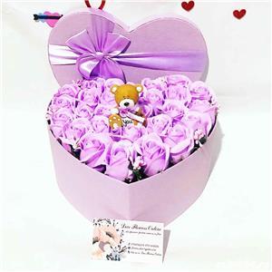 aranjament inima cu trandafiri parfumati de sapun - imagine 5