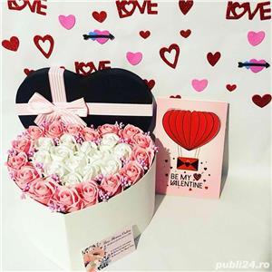 aranjament inima cu trandafiri parfumati de sapun - imagine 2