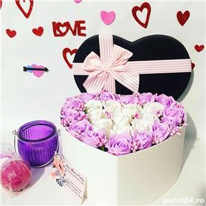 aranjament inima cu trandafiri parfumati de sapun - imagine 7