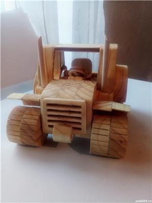 Tractor din lemn - imagine 3