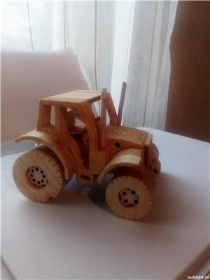 Tractor din lemn - imagine 4