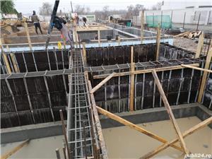 Firmă de construcții angajează dulgheri , fierari betoniști  ,muncitori calificați și necalificați . - imagine 8