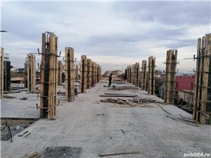 Firmă de construcții angajează dulgheri , fierari betoniști  ,muncitori calificați și necalificați . - imagine 1