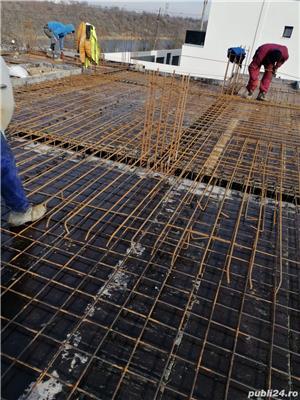 Firmă de construcții angajează dulgheri , fierari betoniști  ,muncitori calificați și necalificați . - imagine 3
