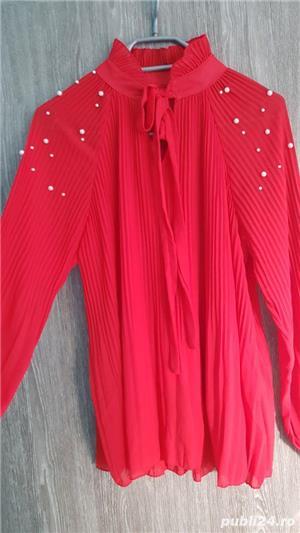 bluza voal creponat rosu cu aplicații  - imagine 2