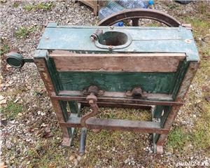masina manuala de porumb, veche, reglabila, stare foarte buna - imagine 3