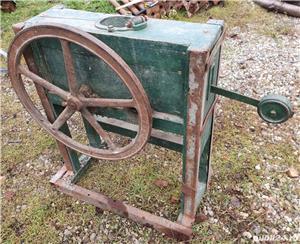 masina manuala de porumb, veche, reglabila, stare foarte buna - imagine 1