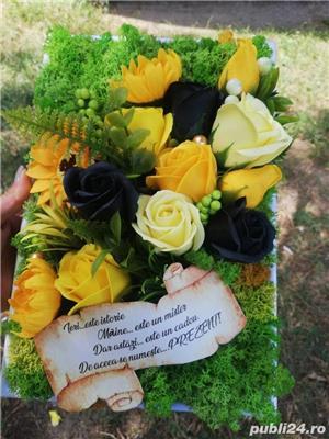 Tablou personalizat cu licheni si flori din sapun - imagine 3