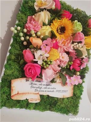Tablou personalizat cu licheni si flori din sapun - imagine 2