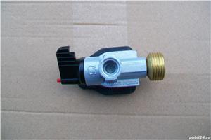 Adaptor pentru incarcare butelie gaz. - imagine 4