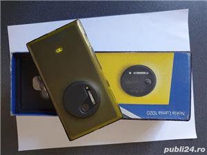 Nokia Lumia 1020 in stare foarte buna cutia cu accesoriile si huse multe folii ecran.. - imagine 1