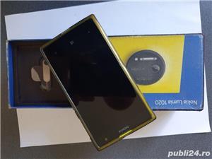 Nokia Lumia 1020 in stare foarte buna cutia cu accesoriile si huse multe folii ecran.. - imagine 3