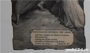 Gravură  Isus cade sub povara crucii  - imagine 4