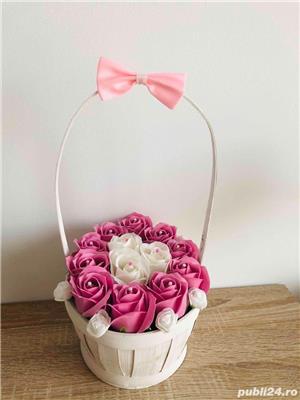 Aranjament cu trandafiri de sapun - imagine 8