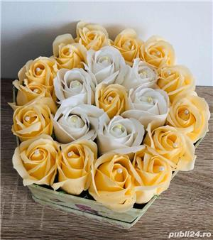 Aranjament cu trandafiri de sapun - imagine 9