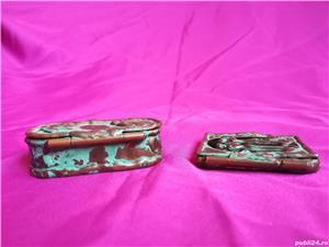 Mini-set vechi din alama ce contine oglinda si cutie de bijuterii - imagine 6