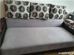 vanzare canapea, cuier si masa extensibila - imagine 1