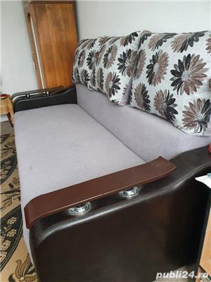 vanzare canapea, cuier si masa extensibila - imagine 3