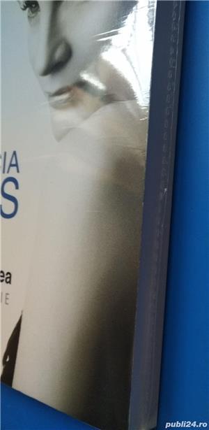 Volum biografic Patricia Kaas - imagine 2