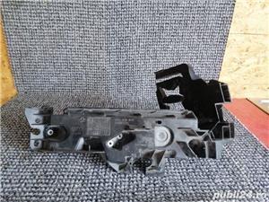 Suport far dreapta Audi A5/Q5 - imagine 3