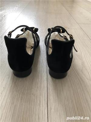 Pantofi statement Moschino - imagine 2