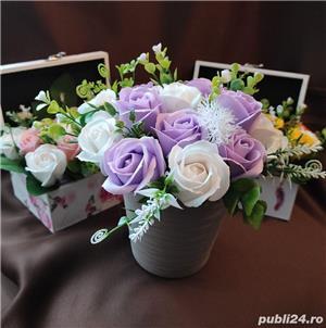 Aranjamente florale din trandafiri de săpun  - imagine 3