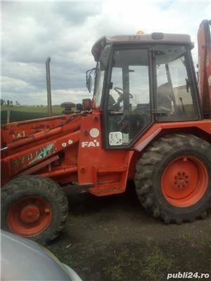Deținător  de buldo escavator  caut colaborator  sau asociat - imagine 1