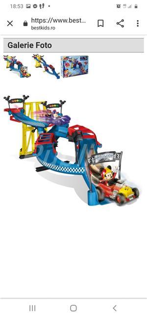 Mickey si piloți de cursă  - imagine 1