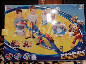 Mickey si piloți de cursă  - imagine 5