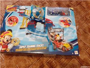 Mickey si piloți de cursă  - imagine 2