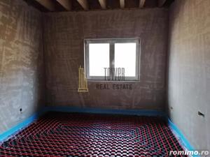 Casă de vânzare pe un nivel 670 mp teren Corusu   garaj - imagine 7