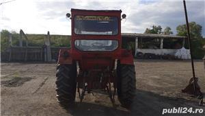 Tractor u650 + plug românesc cu 3 brazde  - imagine 1