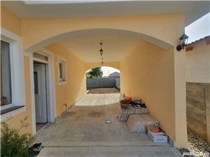 Vila tip duplex cu teren generos - Sanandrei - imagine 6