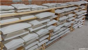 Capace palarii coame din beton alb si colorat pentru garduri si stalpi. Calitate extra! - imagine 1